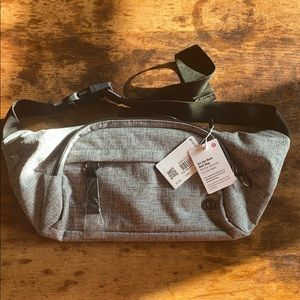 🍋NWT Lululemon On the Beat belt bag gray new